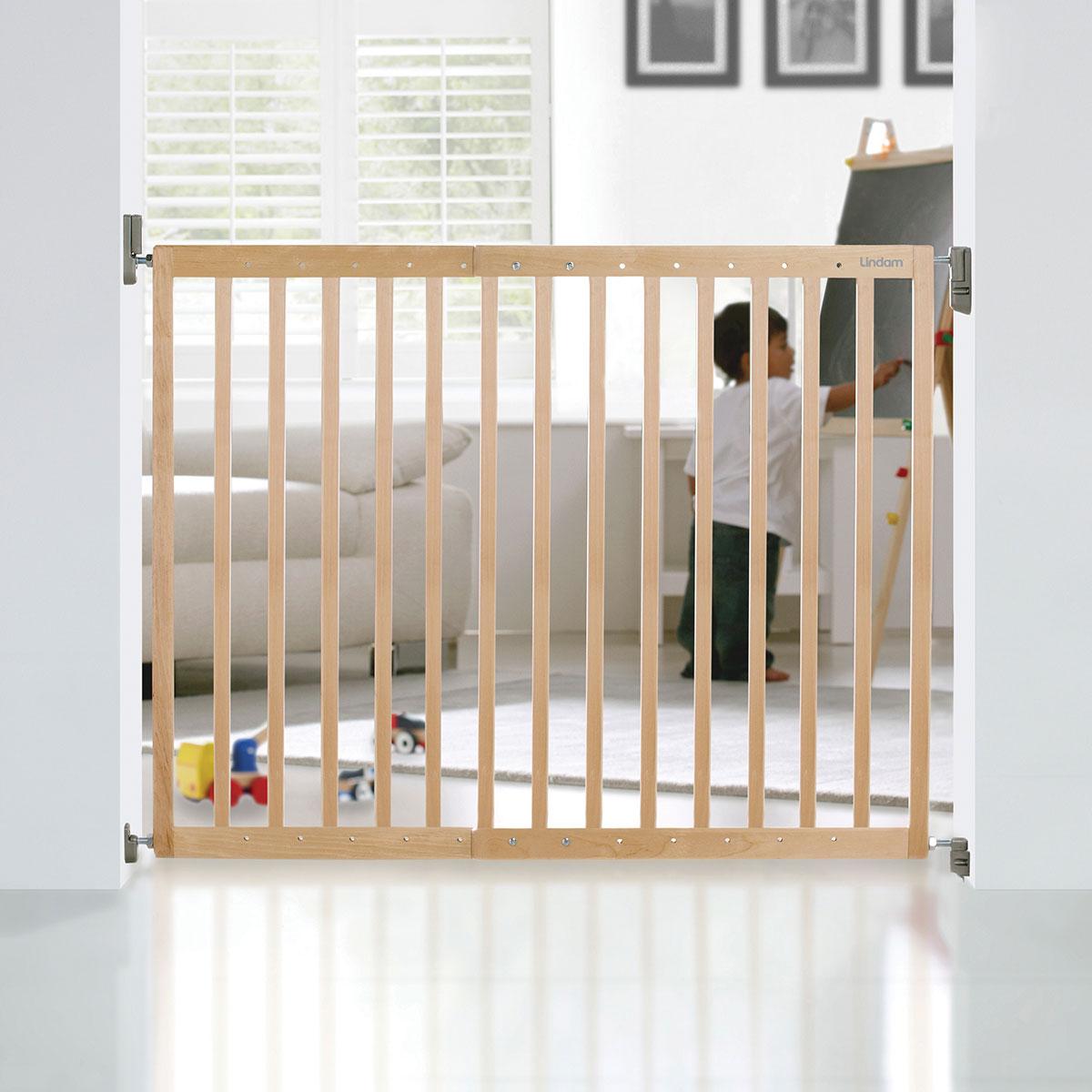 Munchkin Single Panel Wooden Safety Gate